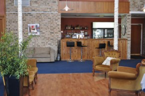 Coonabarabran Accommodation - Acacia Motor Lodge | Copper Pot Cafe & Restaurant